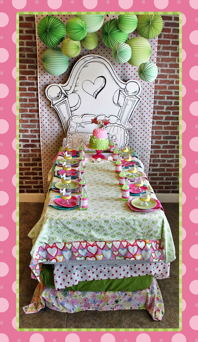 Too Stinkin' Cute- Princess and the pea- sacked table cloths to look like many layers bed!