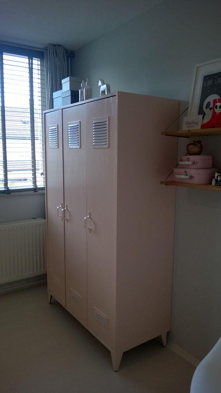 Nieuwe slaapkamer van 3-jarige peuter Juul. Styling tante Nina #slaapkamer #bedroom #peuter #kleindochter #styling #interior