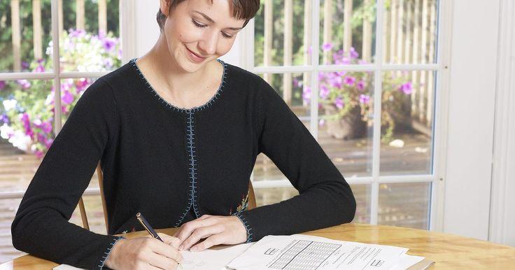 Diferencia entre  los cursos de contabilidad gerencial y contabilidad de costos. La contabilidad es el proceso de registrar las transacciones financieras para determinar la rentabilidad de una empresa y el flujo de efectivo. Dos cursos importantes pero significativamente diferentes en contabilidad son los de contabilidad gerencial y de costos.
