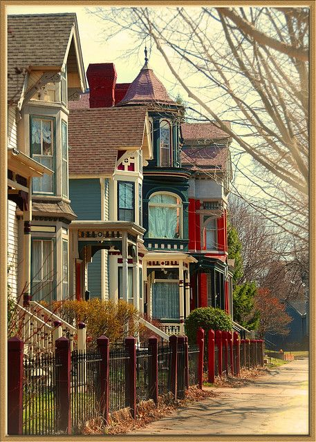 261 best images about folk victorian on pinterest queen for Victorian row house plans