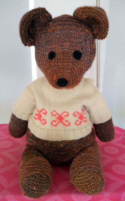 Knitted bear, by AM