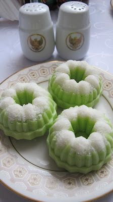 Kreasi Dapur Iis Sukendar: Kue Putu Ayu