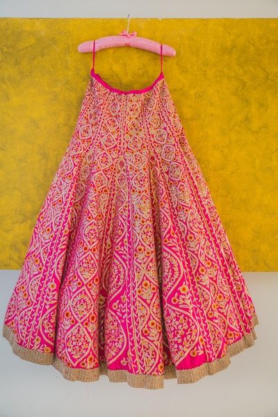pink bridal lehenga with gota work , bridal lehenga on hanger, cute pink hanger, getting ready photos, pink silk lehenga , morning wedding lehenga