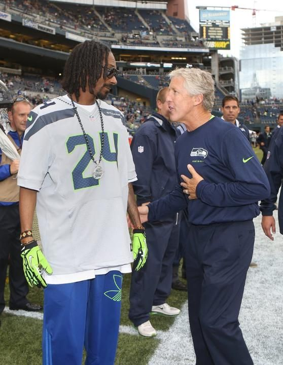 Seahawks vs Raiders: Snoop & Coach Carroll