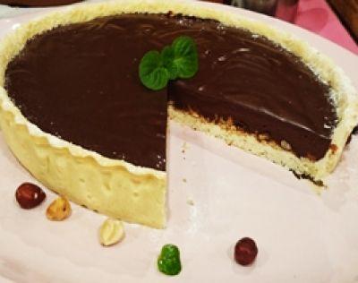 Tarta de chocolate y avellanas / Cocineros Argentinos / Recetas / Tortas