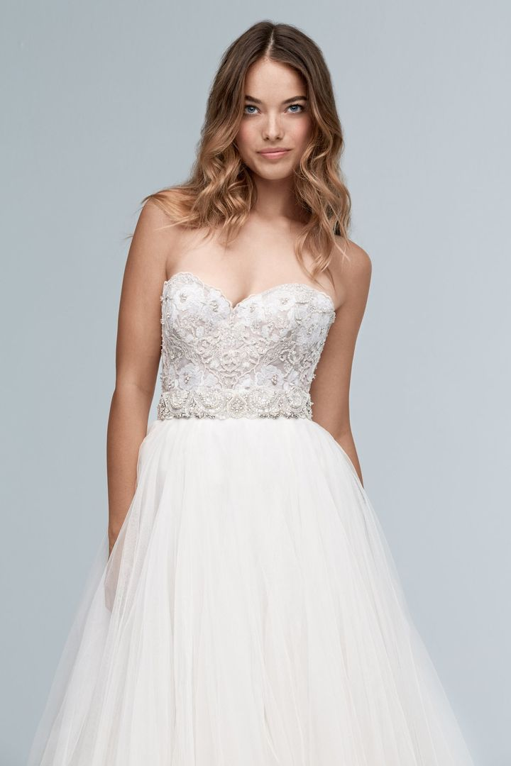 Maelin corset from Wtoo by Watters is available at Sincerely, The Bride Vancouver, WA Portland Metro #sincerelythebride #oregonbride #nwbride