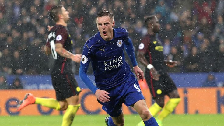 Leicester players cannot let Claudio Ranieri down, insists midfielder Marc Albrighton as they look to improve their Premier League form.