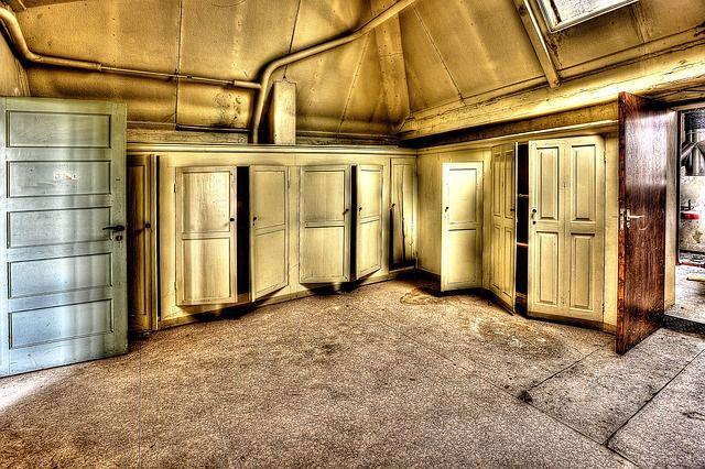 Viele Türen ... aber keine Sorge! In unserem Escape game Wien gibt es nur eins! #escapegame #escaperoom #Wien #Vienna http://www.openthedoor.at