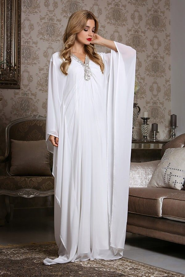 Available in all the sizes, styles and colors we bring diversity in #Islamic_clothing# be it #abayas, _jalabiya# or any dress you want to buy. Our designers aim to give a new definition to trend such that the basis of Islamic clothing remains unaltered and still you can choose for the trending styles in the same