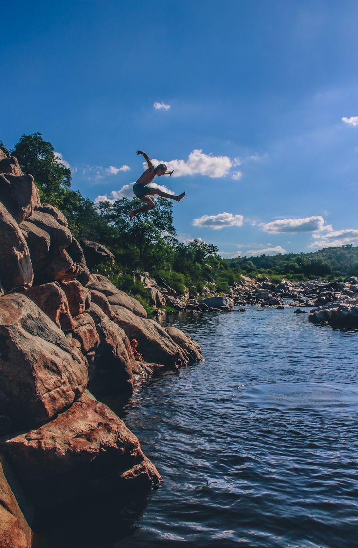 Jeronimo!!! | Río Quilpo, San Marcos Sierras, Córdoba. | #Fotografía: #ManuPadilla | #jump #montain #montaña #naturaleza #nature #rio #river #salgo #summer #verano