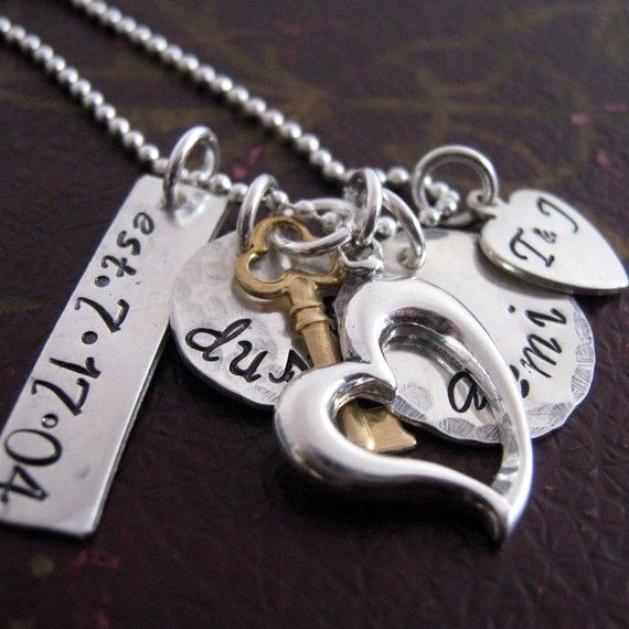 I <3 Hand stamped jewelry.. This would be the perfect mothers day present: Family Necklace, Heart Families, Mothers Day Gifts, Hand Stamped Necklace, Families Necklaces, My Heart, Hands Stamps Jewelry, Mothers Necklaces, Hands Stamps Necklaces