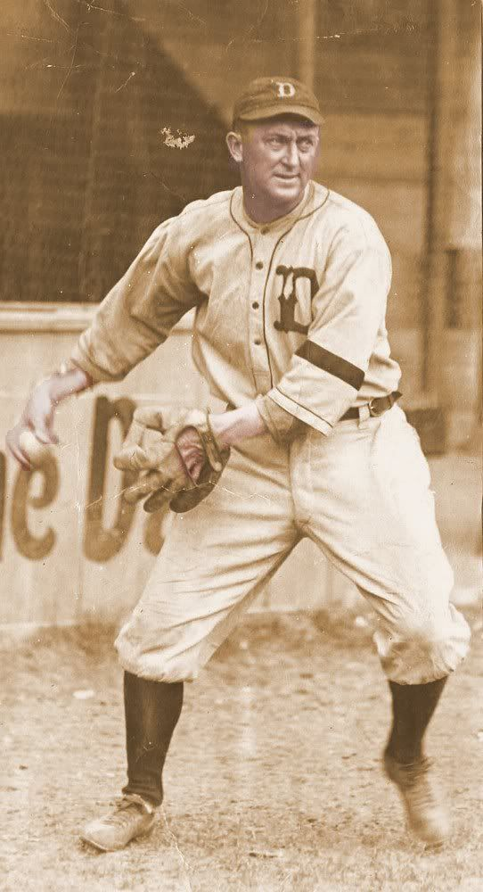 Ty Cobb - Detroit Tigers - Wearing black armband in respect after Ray Chapman's death (1920)