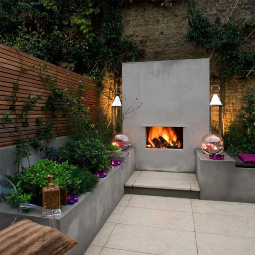 courtyard-fire-with-seating-area
