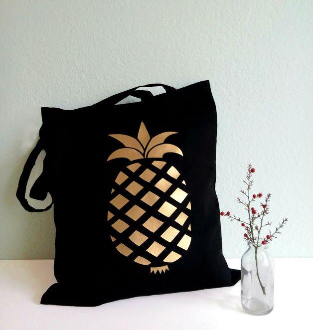 Schwarzer Jutebeutel mit goldener Ananas / black tote bag with golden pineapple by Lemina via DaWanda.com