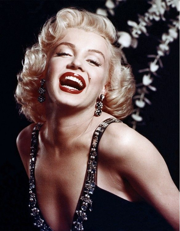 Marilyn Monroe in a classic red lip