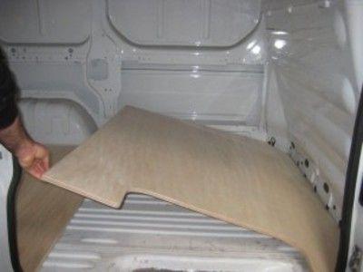 Plancher bois pour fourgon, véhicule utilitaire, OPEL VIVARO C1. Kits à partir de 239€ sur la boutique en ligne de Kit Utilitaire.