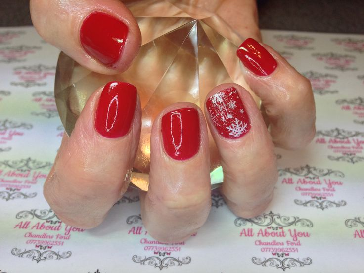 #Christmas #red #snowflake #manicure