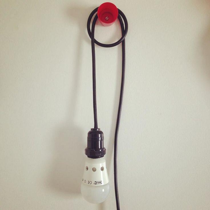 Basta pouco pra ser #bacana #lessismore #cap #tampa #holder #hanger #cool #design #simple #lamp #ikea #love #cable ... Se inscreve lá no canal ;) ... #dGreenChannel ... dGreenSP  Fábrica de ideias sustentáveis  #design #sustentavelcomestilo #decor #decora #decoração #infantil #DIY ... Visite nossa plataforma online  de #conteudosustentavel ... Conheçam o projeto e vejam nossos #produtossustentáveis no dGreenShop ... Espalhemos amor por ai Namastê  _/\_ ... dGreenSP Fábrica de ideias…