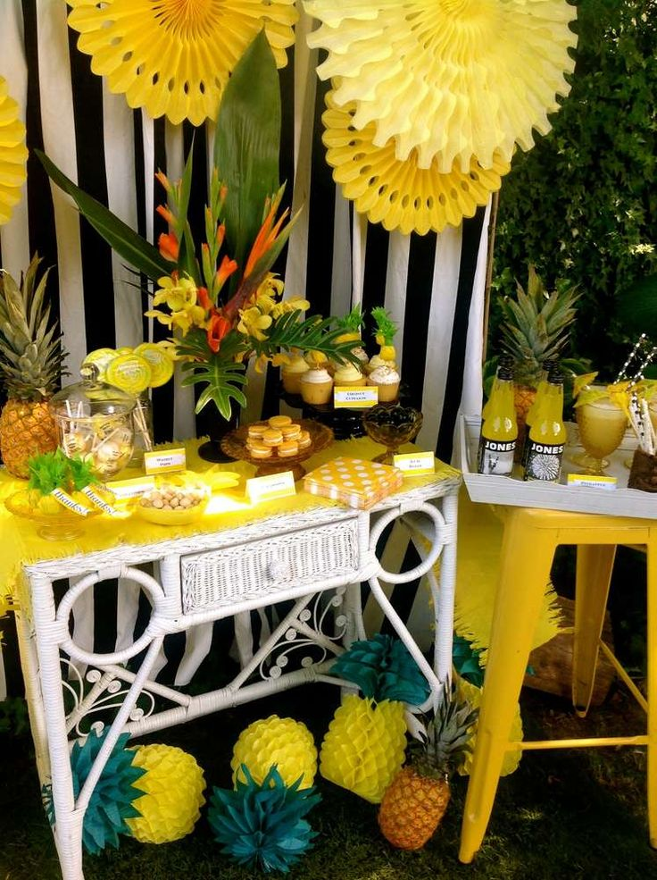 Pineapple party summer ideas streamers and