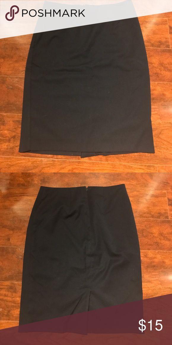 Merona | Navy Pencil Skirt Navy pencil skirt with rear vent and hidden zipper. Merona Skirts