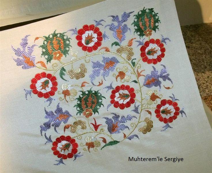 İsmek 2016 Feshane sergisine ait El nakışı branşına ait resimlerin 4. bölümdeyiz.  Bu bölümde Türk işi tekniği ile hazırlanmış ürünleri de...******