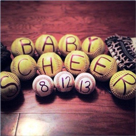 23 adorable photo pregnancy announcements | #BabyCenterBlog