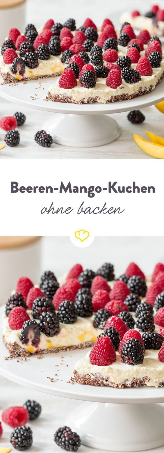 Ein knuspriger Keksboden, eine fruchtige Mangocreme und on top saftige Brombeeren und Himbeeren – in nur 35 Minuten. Wie das funktioniert? Keksboden zubereiten, Mangocreme verrühren und für 15 Minuten in das Gefrierfach geben. Cooler Kuchengenuss in Windeseile.