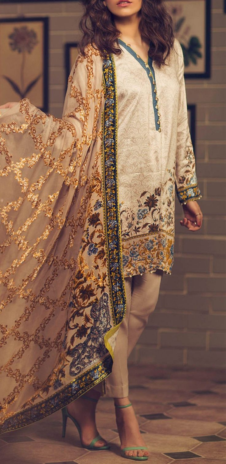 Beige Printed Twill Viscose Dress Contact: (702) 751-3523 Email: info@pakrobe.com Skype: PakRobe
