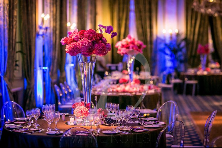 Roses and orchid for this romantic centerpieces in a completely transformed Villa D'Este!