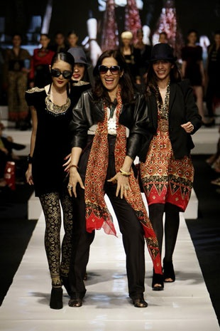 Ghea Panggabean. Jakarta Fashion Week 09/10