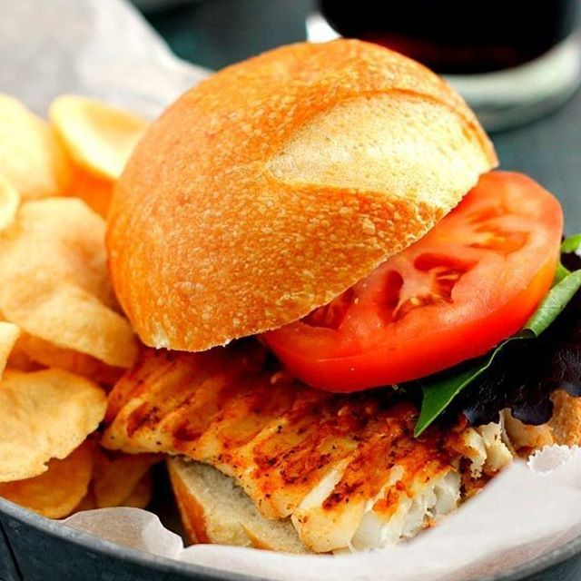 www.sizzlefish.com  One of our favorite summer time dishes is a good Grilled Sizzlefish Haddock Sandwich! @pumpkin_n_spice has just the recipe for you to give it a go!  _ Head to our website: www.sizzlefish.com to order your perfectly portioned fish and shellfish today! Don'
