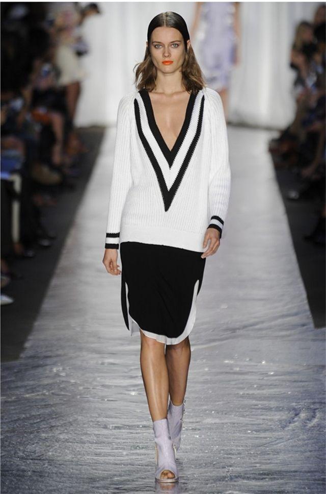 Горячая распродажа женской одежды 2015 новая осень мода v образный вырез свитера цвет сшивание летучая мышь рукав вязать свитер леди свитер, принадлежащий категории Пуловеры и относящийся к Одежда и аксессуары для женщин на сайте AliExpress.com | Alibaba Group