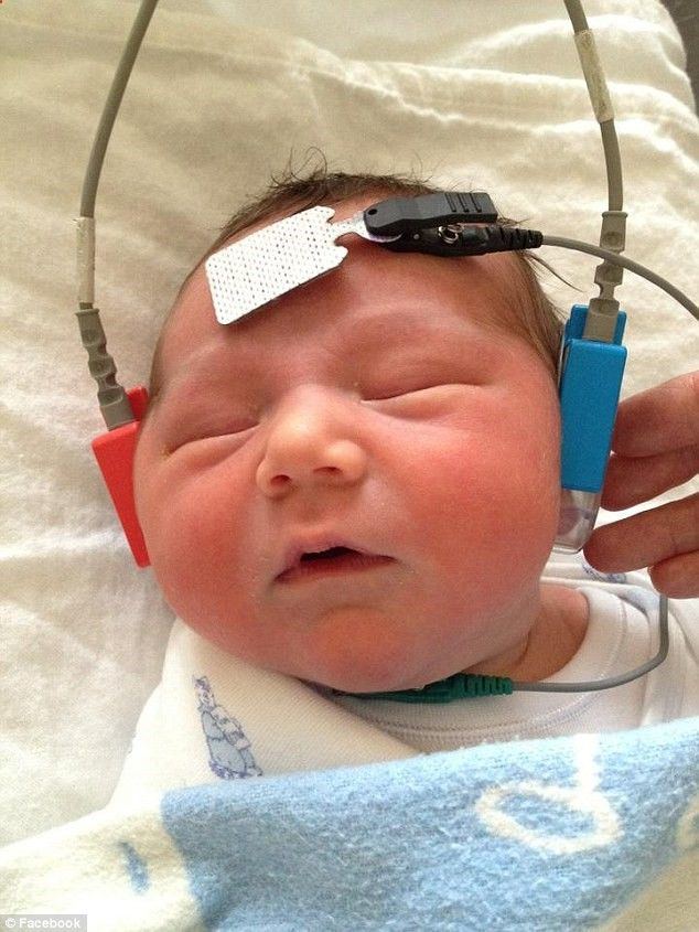A newborn screening test allowed the Lever family to discover Lachlans hearing disability...