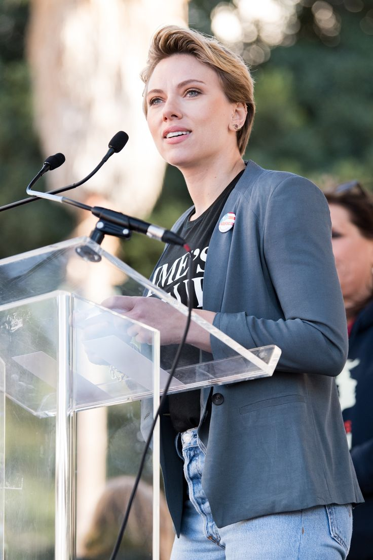 VIDEO: Scarlett Johansson Calls Out James Franco in Women's March Speech!   One keynote speaker, Scarlett Johansson, used her speech to call out James Franco, who was accused of sexual misconduct by five women earlier this year.   Click on pin to read on! | Floor8