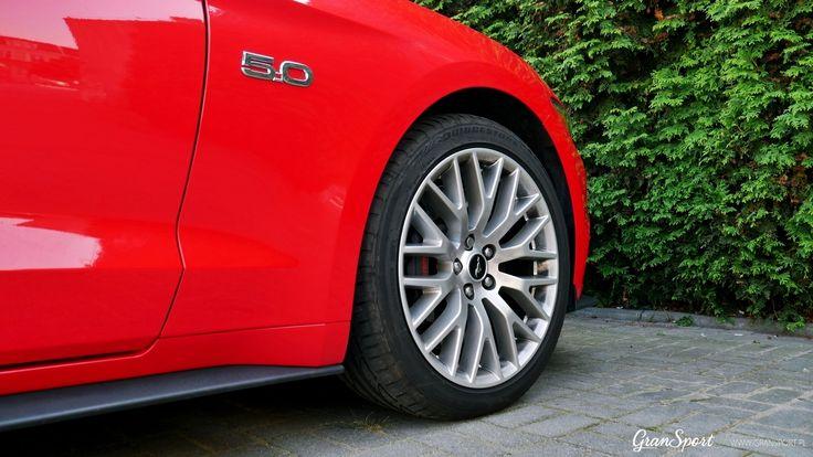 Najnowsze wcielenie Forda Mustanga GT V8 zachwyca świetnym wyglądem zewnętrznym oraz sportowymi osiągami. Mustang rozczarowuje jednak swoim dźwiękiem nie wydobywając z silnika V8 całego potencjału. Z pomocą przychodzi Remus, oferując sportowy układ wydechowy z regulacją głośności.  Więcej informacji: http://gransport.pl/blog/realizacja-ford-mustang-gt-5-0-v8-remus-3/  Oficjalny Dealer Remus Polska GranSport - Luxury Tuning & Concierge http://gransport.pl/index.php/