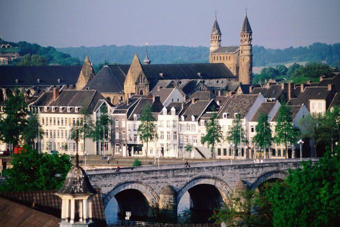 Sint Servaas bridge, Maastricht, Nederland. #travel #Holland #Maastricht