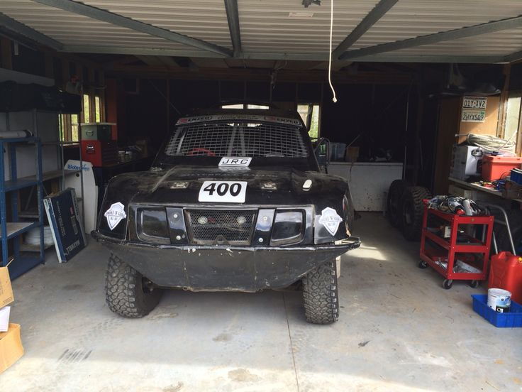 #400 4.0 litre mid mount engine Rear wheel drive Radflo suspension BF Goodrich MT tyres Learners plate lol