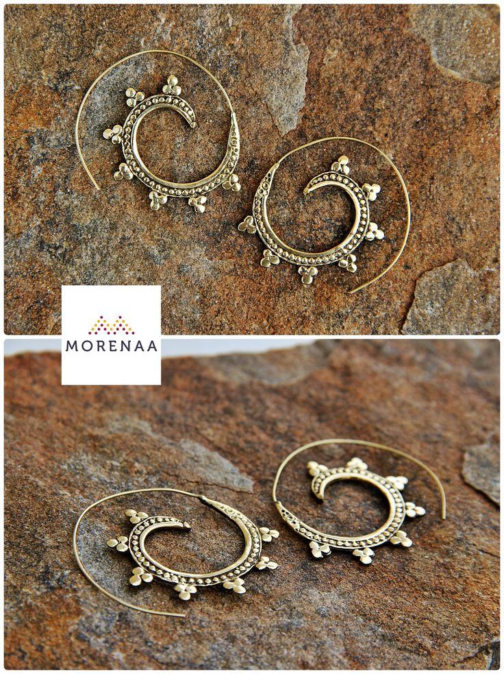 Boho ✤ Chic Aros Hechos en India $5.990 Instagram: Morenaa_chile #aros #earrings #bohemianstyle #morenaa #lomejordecadalugar ✤✤✤✤✤✤✤✤