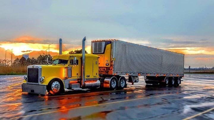 Pin By Benny Wade On Chicken Trucks Big Trucks Big Rig Trucks Peterbilt Trucks