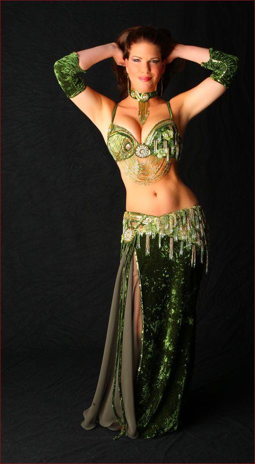 Michelle Joyce's gorgeous green velvet Bella!