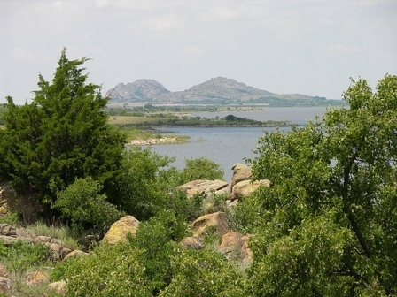 Great Plains State Park is nestled in the shadows of the Wichita Mountains on the shores of Tom Steed Lake in Oklahoma, and it is extremely appealing for the variety of outdoor activities it has to offer.