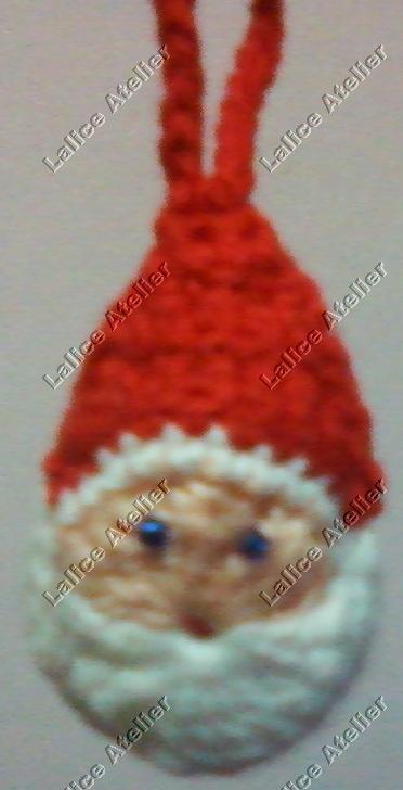 Enfeite Papai Noel de crochê.   Tamanho: 5 cm. Em estoque #natal #papainoel #enfeitenatal #crochê