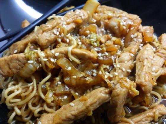 Chinees bij U thuis! Ik zou natuurlijk de vleessies kunnen vervangen door iet veggie, maar.. zulke gerechten overleven op de smaak van het vlees!