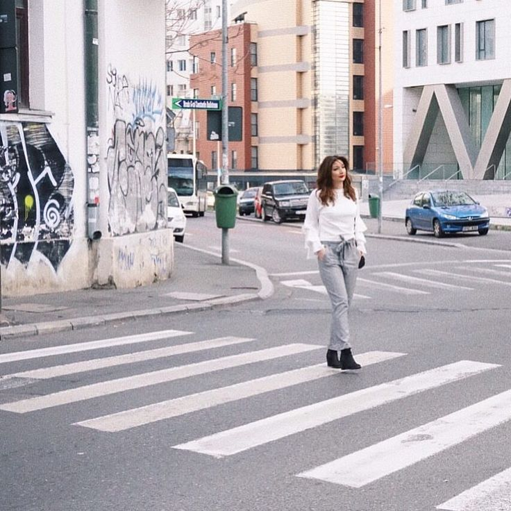 """203 aprecieri, 3 comentarii - RALUCA DRUGAN (@raluca.drugan) pe Instagram: """"București. 📍"""""""