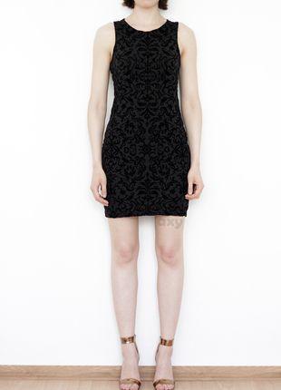Kup mój przedmiot na #vintedpl http://www.vinted.pl/damska-odziez/krotkie-sukienki/13900153-3-za-2-czarna-dopasowana-sukienka-aksamitne-wzory