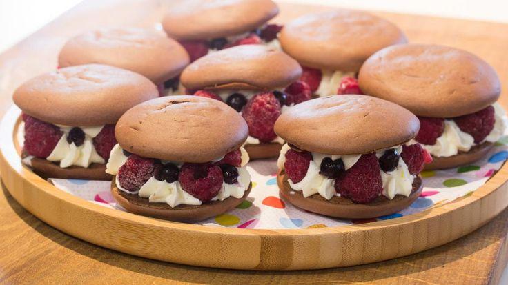 Whoopies met vanillecrème en rood fruit | VTM Koken