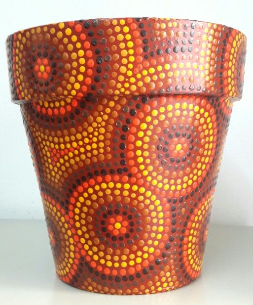Earth colors. Hand painted flowerpots. Macetas pintadas a mano. Facebook: A'cha Pots.