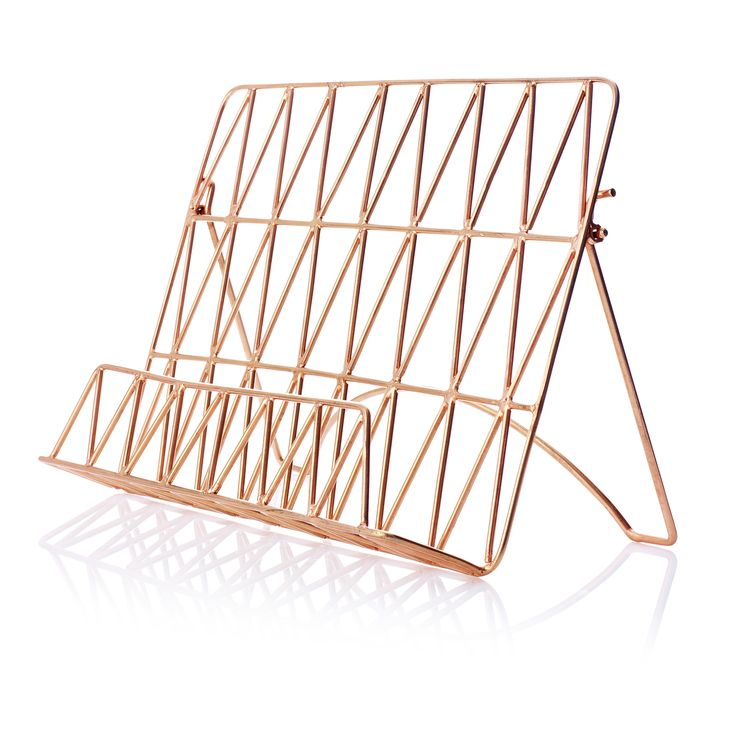 This on trend copper wire recipe stand is the perfect way to follow recipes when cooking