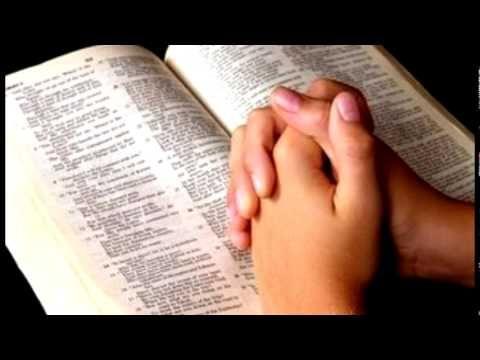 PREGANDO A  VERDADE: UM MILAGRE QUE CONTRARIOU A CIÊNCIA DOS HOMENS.Eliseu lançou um pedaço de pau na água e fez flutuar o ferro. Não há como explicar este acontecimento sem reconhecer o poder de Deus efetuado por meio do profeta. O Deus que criou a lei da gravidade, é também o Deus que quebra a lei e faz o machado flutuar acima das águas, contrariando a ciência dos homens. O milagre serviu para mostrar o cuidado e a provisão de Deus para aqueles que confiam nEle. Mesmo nos acontecimentos…