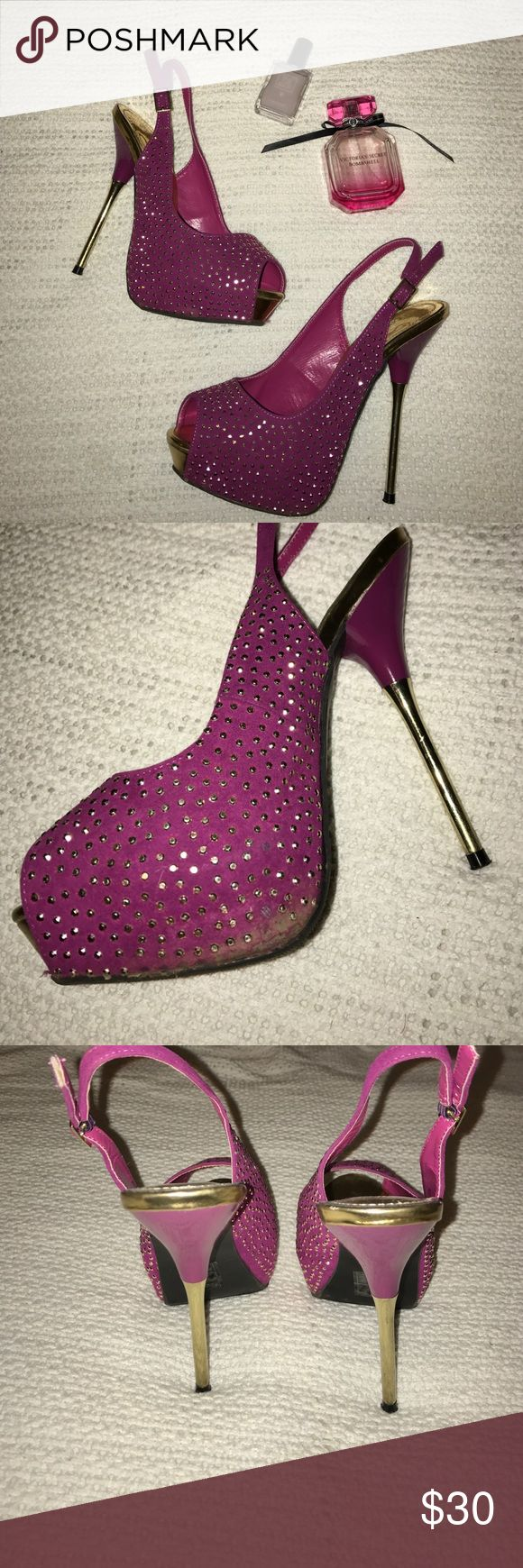 Adorable shoedazzle sling backs Worn once for an outdoor wedding. Got so many compliments on these babies!! Purple and gold. Some wear on material on right inside of shoe; shown in photo. Shoedazzle Shoes Heels